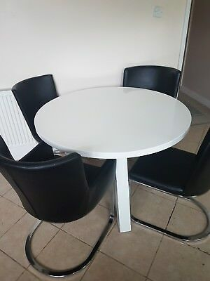 Danitte White Gloss Dining Table and chairs