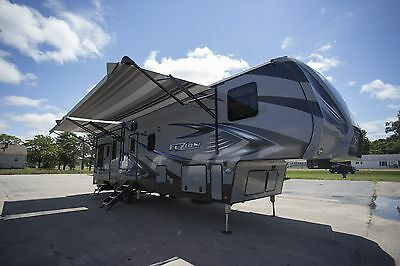 Rv Toy Hauler Fifth Wheel Fuzion 369 Camper Garage Rv Trailer