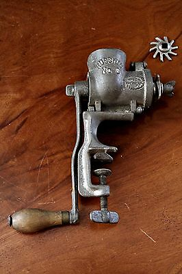 ANTIQUE RUSSWIN No 0 VINTAGE CAST IRON MINCER RUSSELL & ERWIN, CANADA 1901