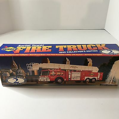 NEW Sunoco Aerial Tower Fire Truck 1995 Collectors Edition #2 In Series 1/32