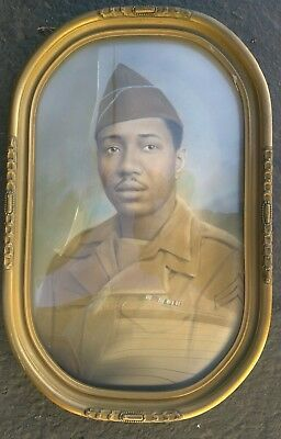 Vintage Convex Frame With An African American Soldier's Portrait