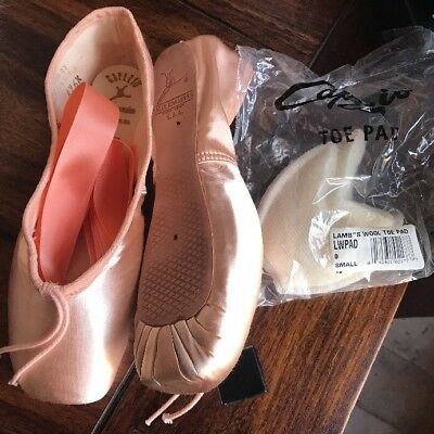 New Capezio Contempora 176 Ballet Pointe Toe Shoes FREE Ribbons & PADS Girls 2 B