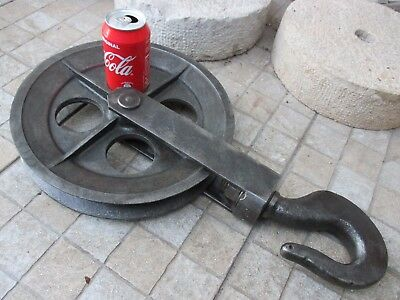 """Antique Iron Industrial or Maritime Giant Enormous Pulley Wheel 12"""" Heavy 12 Kg."""