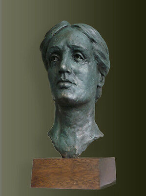 CC Bronze bust of Author Virginia Woolf. Edition of only 50. Signed certificate