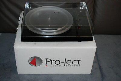 Pro-Ject Debut Carbon DC High End Plattenspieler schwarz.piano
