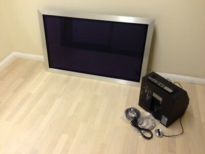 Bang & Olufsen Beovision 4 42inch With Wall Bracket