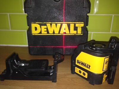 Dewalt DW088 Self Levelling Cross Line Laser Level