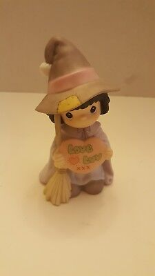 Precious Moments WITCH WAY DO YOU SPELL LOVE Halloween Figurine 587869 Mint