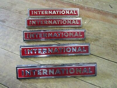 5 ~NOS 1960's IH International Red Fender Emblem 11810-1 2754222-R1 Truck Scout