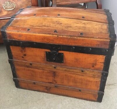 Small Antique chest trunk. Domed top traveling chest