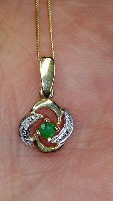 Hallmarked 9Ct Yellow Gold Natural Emerald & Small Diamonds Pendant Necklace