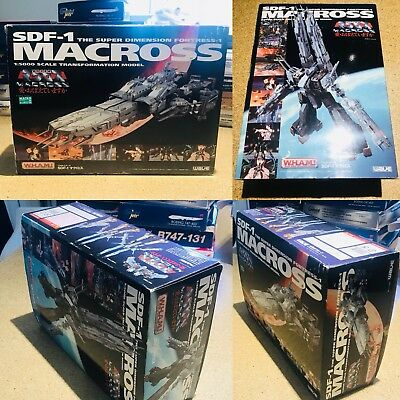 """Wave W.H.A.M Macross SDF-1 1:5000 """"Do You Remember Love"""" (1st Edition) Rare"""