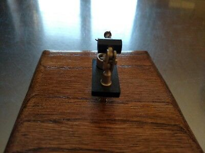Crystal Radio Detector With Oak/Walnut Stand (NO RESERVE)