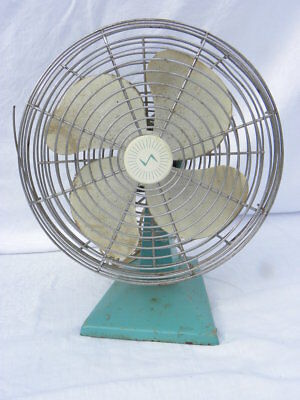 Vintage Superior Electric Products Corp. Oscillating Table Fan, #1074