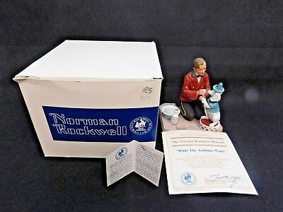 """Norman Rockwell """"while The Audience Waits"""" Figurine From The Museum Collection"""