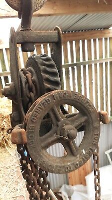 Block and Tackle Vintage, with chain