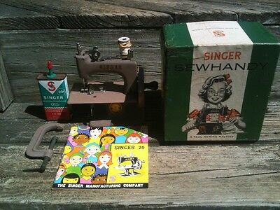 EX- Vintage 1950's Child's SINGER SEWHANDY No. 20 SEWING MACHINE W/BOX,Manual