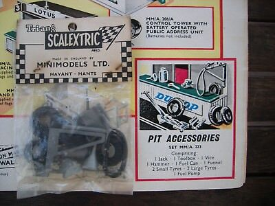 Scalextric Pit Asscesories Set  A/22 Unopened original set