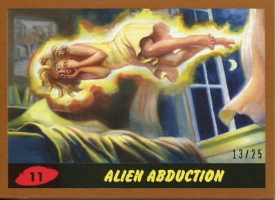 Mars Attacks The Revenge Bronze [25] Base Card #11 Alien Abduction