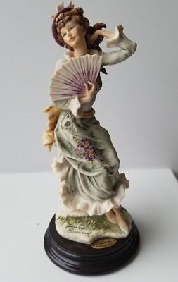 Giuseppe Armani, 1998 Figurine of the year, Violet, beautiful coloring and detai