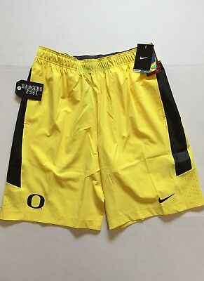 15b662b19ef5 NIKE OREGON DUCKS Speed Vent Shorts Yellow 623062 Mens Size M ...