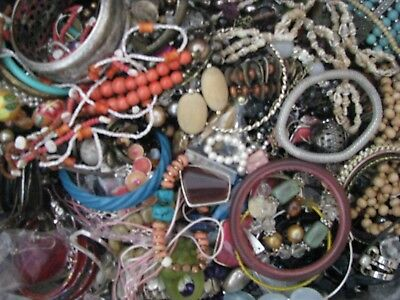 Job Lot 2 kg of Costume Jewellery Beads Necklace Bracelet Craft Carboot