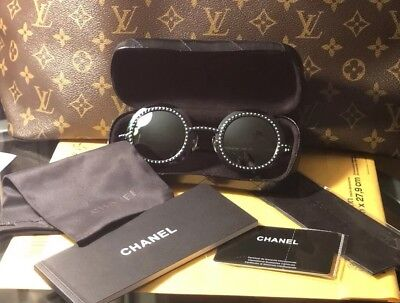 f36b5226077 Auth CHANEL 71140 L0844 3N Silver Gray Round Pearls Mirrored Runway  Sunglasses
