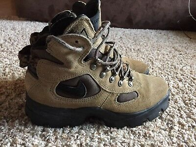 d8157ef30c64 NIKE SIZE 6 Caldera Hiking Boots Shoes Rare Colorway Vintage Women s ...