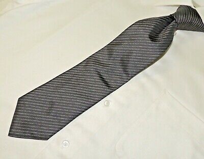 HUGO BOSS men's Gray stripe 100% silk made in Italy necktie Tie. 58X3.3/8