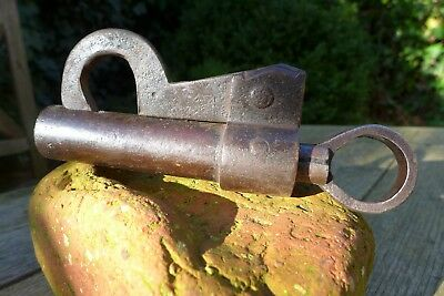Vintage / antique padlock with one key, working order, collector 28-24