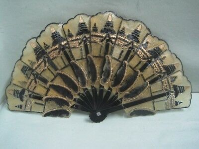 Fan in plastic craved In good conditions