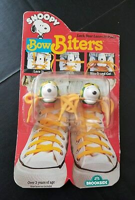 Brookside Vintage 1989 Peanuts Snoopy Flying Ace Baron Shoe Lace Bow Biters NMIB