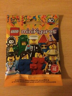 BRAND NEW and sealed Lego minifigures Series 18 Policeman Rare 71021 ...