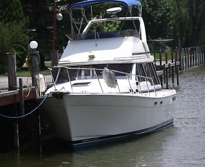 32 Foot Bayliner Motor Yacht
