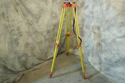 Leica Wild GST20 Heavy Duty Wooden Surveyor Tripod With Carrying Strap