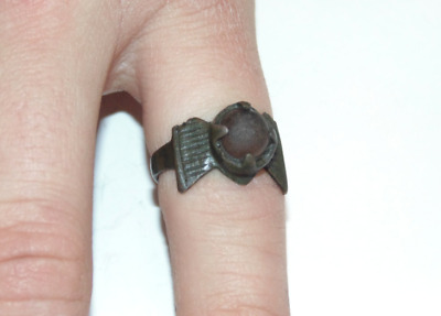 Ancient English Early Medieval Anglo-Saxon Tail Bronze Ring Glass 7th Century AD