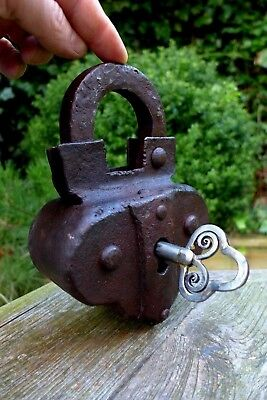 Antique XXL Padlock with one key working order handmade blacksmith's Rare 08-01