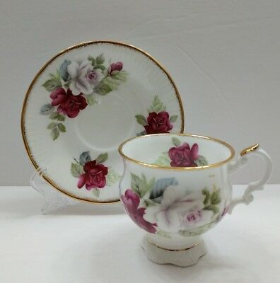 Elizabethan Fine Bone China Gold Trim Tea Cup & Saucer England Purple Roses