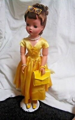 """Original 20 """" Vintage 1950s Madame AlexanderCissy Doll in Tagged Outfit"""