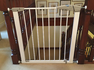 Lindam Sure Shut Axis Model LD145 Child Safety Gate