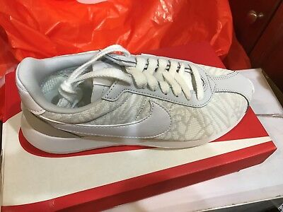 pretty nice 2cd9b 17be8 Nike Women s Roshe Ld-1000 Kjcrd Sz 7 White grey platinum Shoes 819845