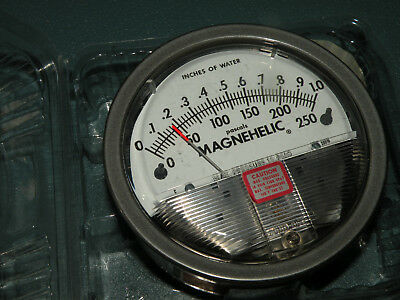 Dwyer 2001D Magnahelic Differential Pressure Gage Gauge 1/8 0-1 WC 0-250Pa READ