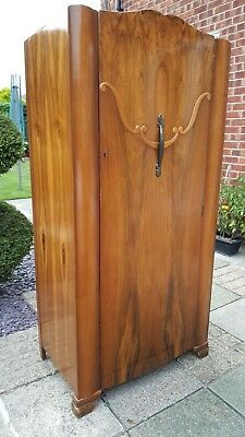 Vintage wardrobe art deco, Excellent condition, with working key
