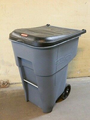 Rubbermaid Fg9w2200gray Brute Rollout Trash Can Waste Container 95 Gal. Capacity