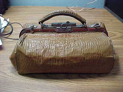 """Antique Alligator Doctors Housecall Bag 13"""" X 6"""" Locking Clasp & Stays Open"""