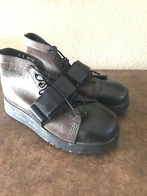 Cougar Paws Leather Roofing Boots Men's Size 9, with extra pads