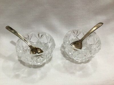 2 Vtg Salt & Pepper Cellar Pair With 2 Unsigned Silver Plate Sleek Spoon Set