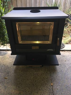 Arrow 2400 Wood Heater