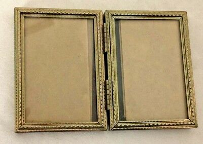 Silvertone Metal 25x35 Picture Frame With Ball Edges Holds 2x3