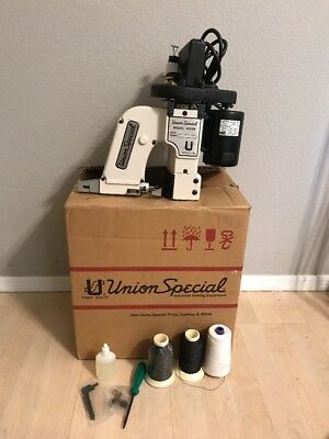 Union Special Bag Closing Sewing Machine Model 4000B with Thread Portable Nice!